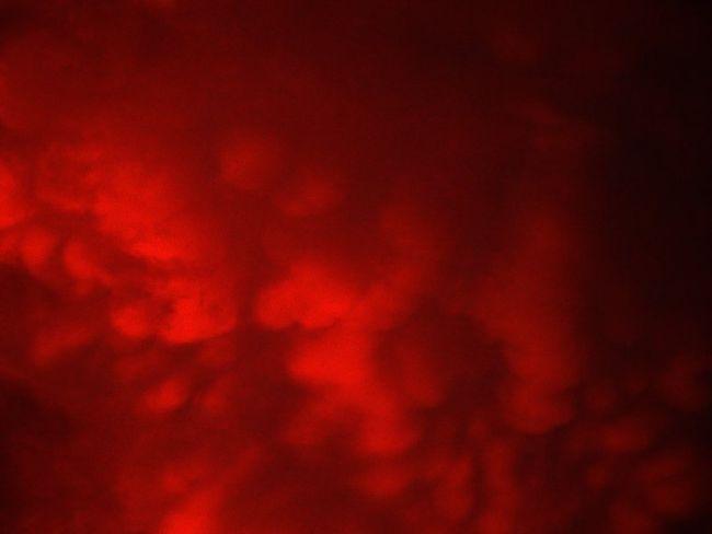 Mammatus_clouds
