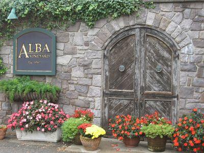 Alba_door